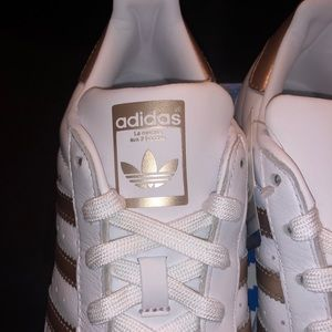 adidas Shoes - New women adidas superstar metallic